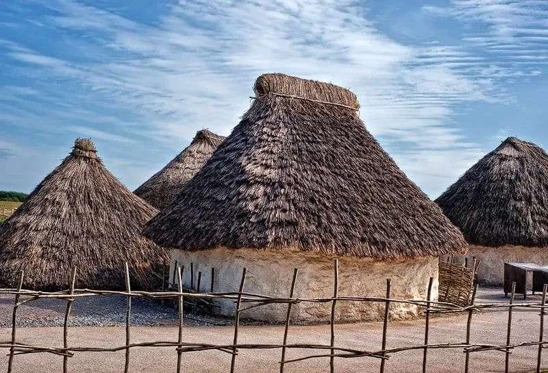 Neolithic stone age houses for KS2.